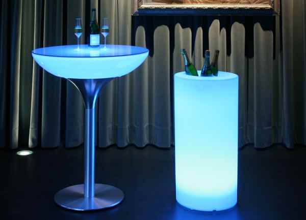 gro er flaschenk hler champagner k hler beleuchtet mit akku. Black Bedroom Furniture Sets. Home Design Ideas