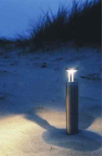 Besonderen Lichteffekt durch indirekte Lichtlenkung außen am Wegesrand.