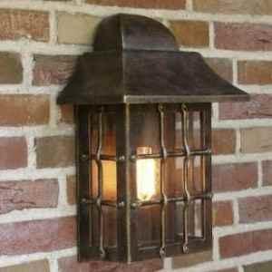 braune Außenlampen