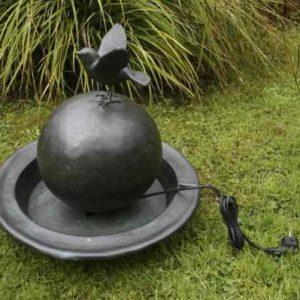Brunnen Vogeltränke