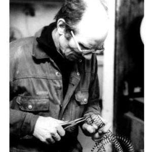 Edelstahl|modernes Edelstahl Gartenobjekt veränderbares Flecht Objekt|Gartenobjekt geometrisch einzigartiger Körper aus Lochblech|  Garten Kunst geometrisch einzigartiger Körper|Schmiedekunst  Edelstahl| geometrisch einzigartiger Körper außen|Schmiedekunst  Kupfer| rostfrei| Durchmesser 3|5 m|riesen Windspiel außen