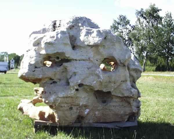 Riesen natursteine felsen skulpturen garten kunst lochsteine - Natursteine fur garten ...