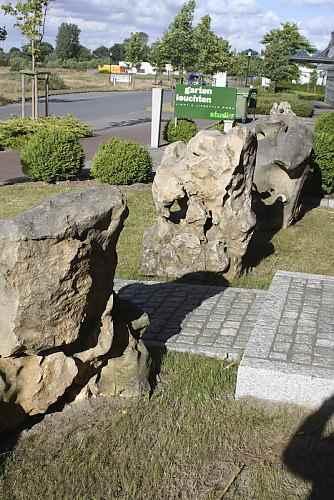 große Naturstein Felsen