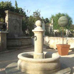 Großer runder Garten Steinbrunnen mit Mittelsäule