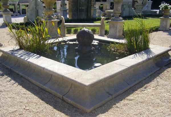 gro er basaltbrunnen kubus f r au en wasserbrunnen basalt. Black Bedroom Furniture Sets. Home Design Ideas
