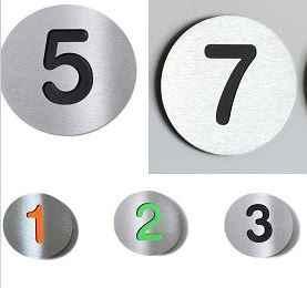 Hausnummer Buchstabe grün