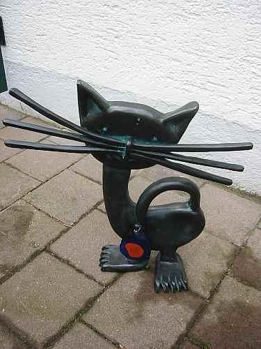 Katzenfigur Garten draußen