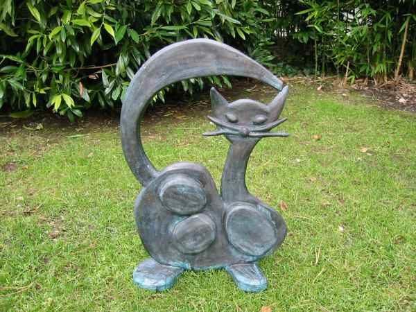 Katzenskulpturen Basche