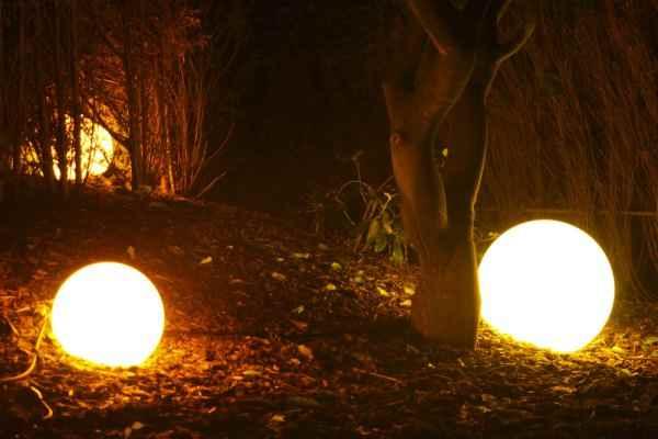 Kugellampen für den Garten in verschiedenen Durchmessern