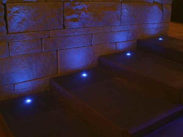 led beleuchtung treppenstufen aussen led beleuchtung f r treppenstufen haus ideen kleiner led. Black Bedroom Furniture Sets. Home Design Ideas