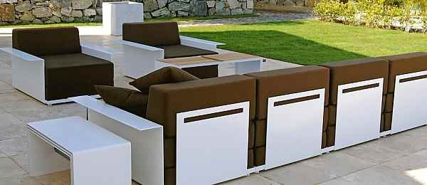 braune lounge m bel f r die terrasse. Black Bedroom Furniture Sets. Home Design Ideas