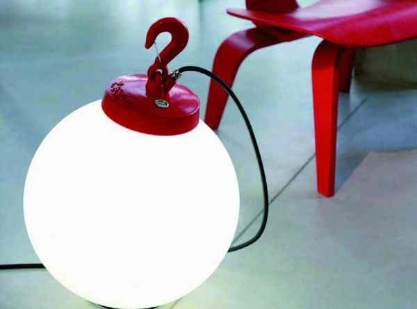 rote runde mobile Außenlampe mit Haken