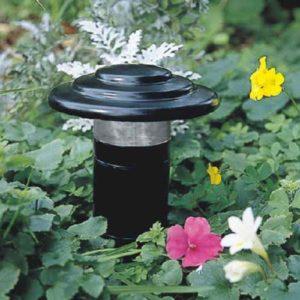 schwarze kleine Gartenbeet Lampe