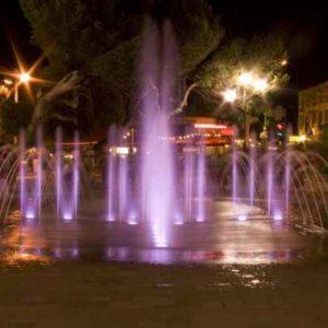 Springbrunnen beleuchten