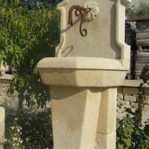 stehender Wandbrunnen Garten Antik Naturstein
