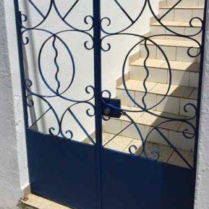 Verschnörkeltes Eingangspforte-Design für Ihr Heim