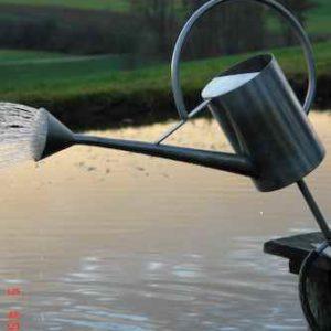 Wasserspiel am Teich Zulauf