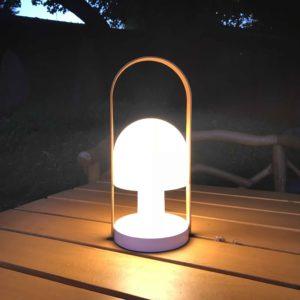 Akku Tischlampe außen