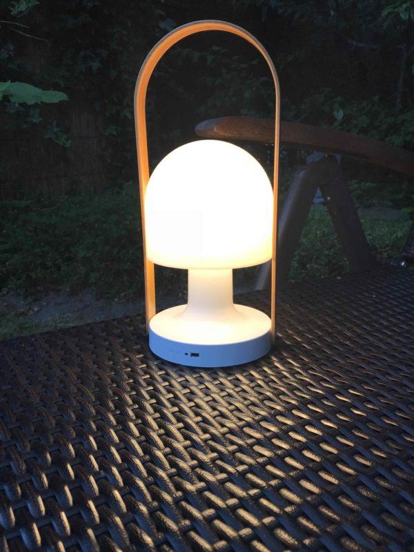 Akku Tischlampe außen wunderschön