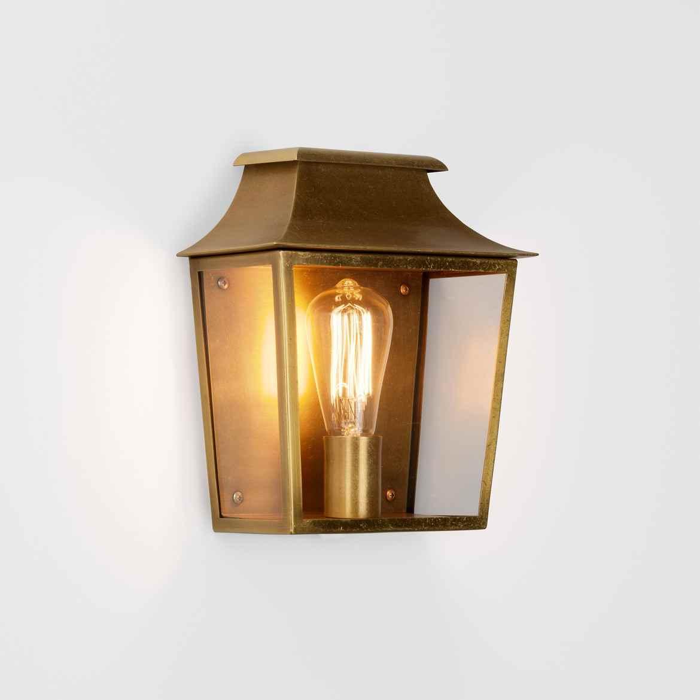 Altmessing au en wandlampe f r traditionelle au enbereiche - Terrassenbeleuchtung wand ...