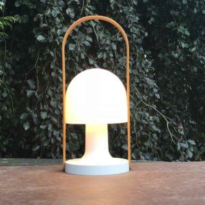 Große Akku Tischlampe