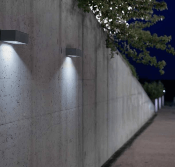 moderne Beton Wandlampe außen einseitig oder beidseitig strahlend