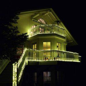 Balkone weihnachtlich beleuchten