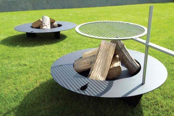 Moderne Grill Feuerstelle außen