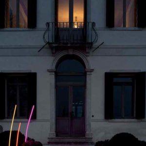 Farbige Lichtskulturen außen