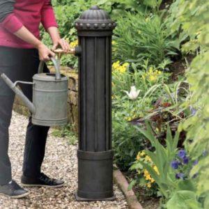 Große Wassersäule für den Garten