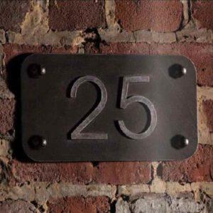 Industrielook Hausnummer