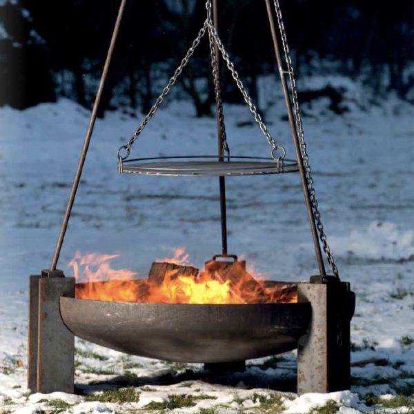 Massives Dreibein Grill und Feuerschale