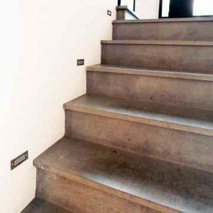 Dezente Einbau Treppenstufenleuchte außen