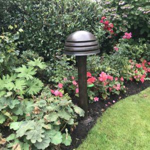 Gartenleuchte passend zur Bepflanzung