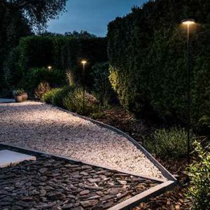 Indirekte Gartenbeleuchtung mit Kupfer Spießleuchten