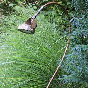 Indirekte Gartenbeleuchtung mit schwenkbaren Kupfer Spießleuchten