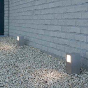 Kleine quadratische Weglampe mit Seitenlicht