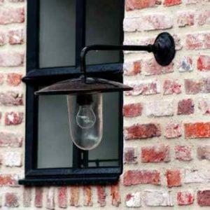 Nostalgische Außen Wandlampe 90° gebogen mit langem Ausleger