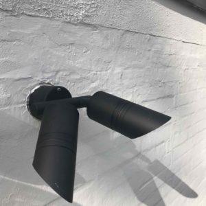 schwarze LED Doppelspot Wandstrahler außen