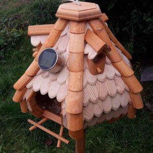Vogel Futterhaus mit Beleuchtung