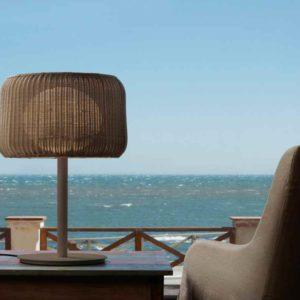 Mediterrane Tischleuchte außen