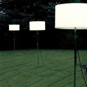 Flexible Stehlampe für außen