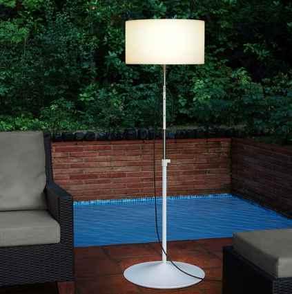 Flexible Stehlampe für außen mit Sockel