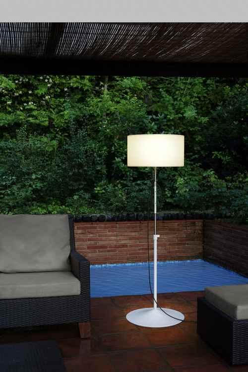 Flexible Stehlampe für außen mit und ohne Fuß