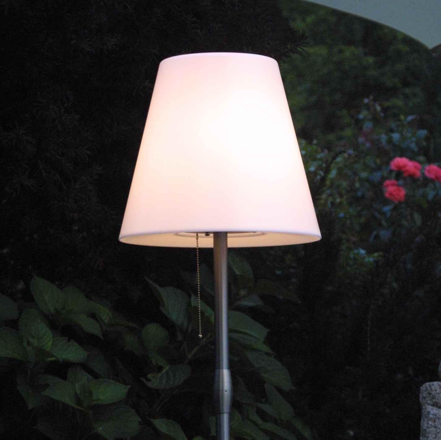 Stehlampen Aussen Stilvoll Den Aussenbereich Beleuchten