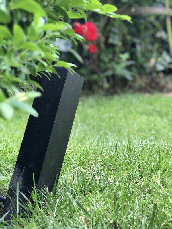 LED Gartenstrahler im Rasen