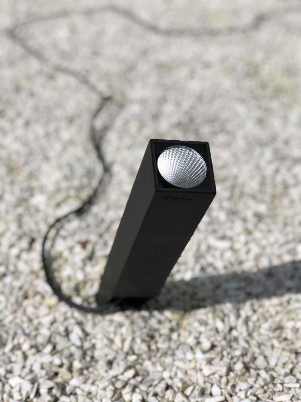 LED Gartenstrahler mit Kabel und Stecker