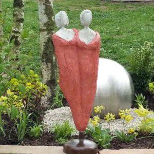 Betonskulptur Freundinnen Kopie