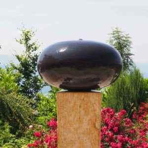 Exklusiver kunstvoller Gartenbrunnen