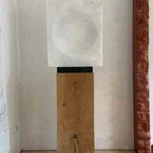 Marmor Lichtskulptur für außen ausgeschaltet